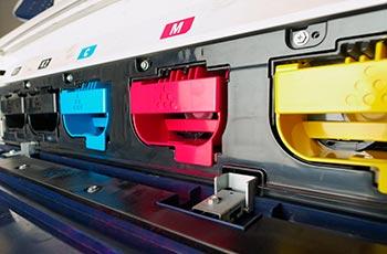 Tonerkartuschen in Digitaldruckmaschine
